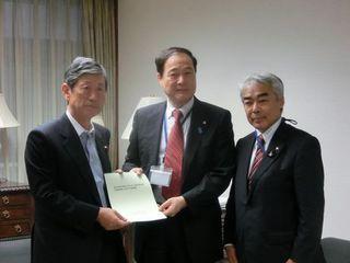 CIMG2533(高村正彦自民党副総裁).JPG